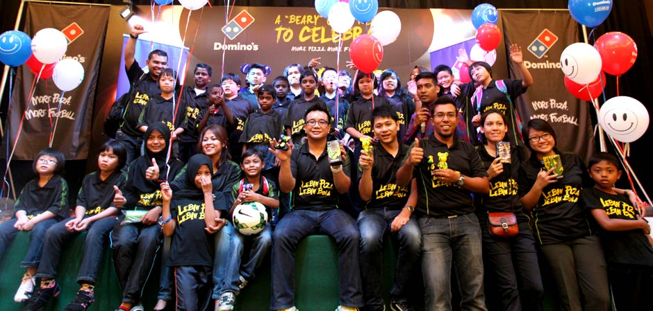 Domino's  Popobe Bola Bears launch for More Pizza More Football campaign with Good Samaritan Home and Rumah Anak Yatim Sg. Buaya.
